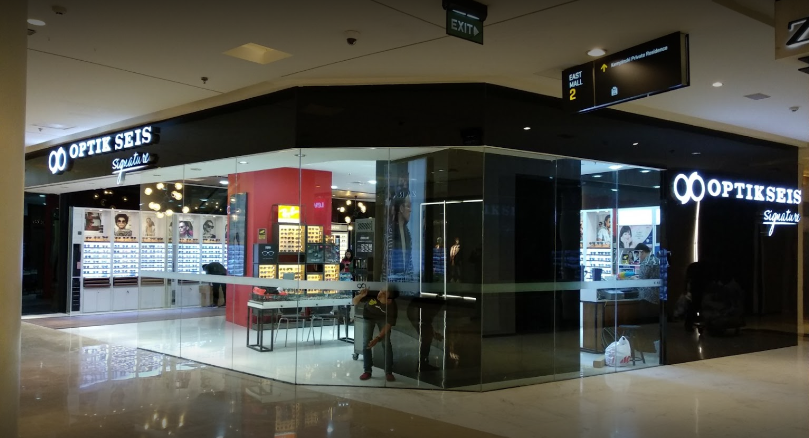 Optik Seis selling optical lenses in Jakarta