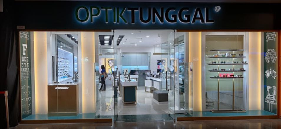 Optik Tunggal selling optical lenses in Jakarta