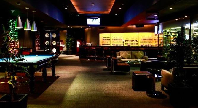 Tiga Puluh Music Bar