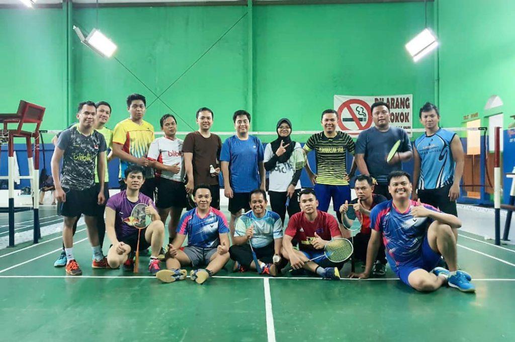 Solid badminton community