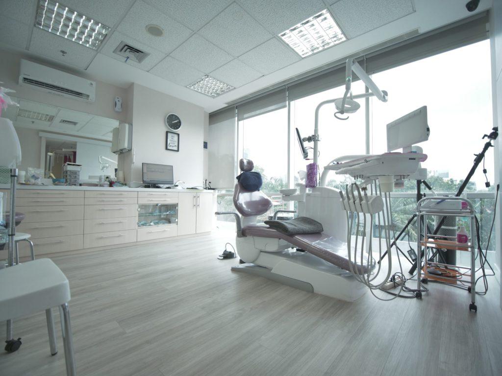 escalade dental care clinic jakarta