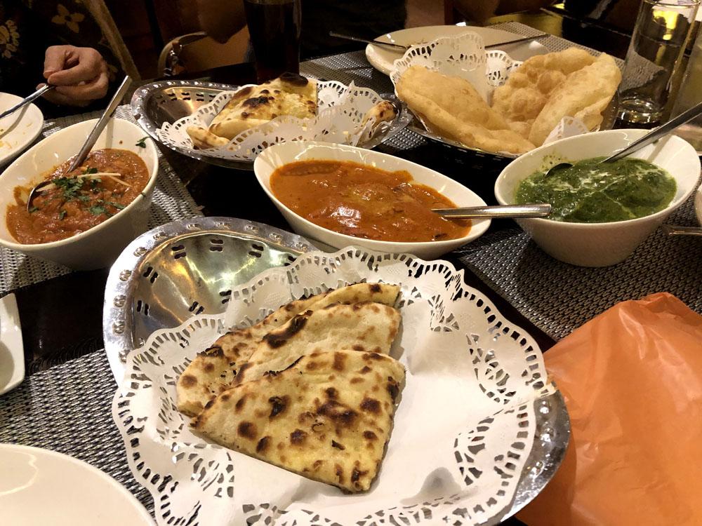 queen's tandoor vegetarian restaurant menteng