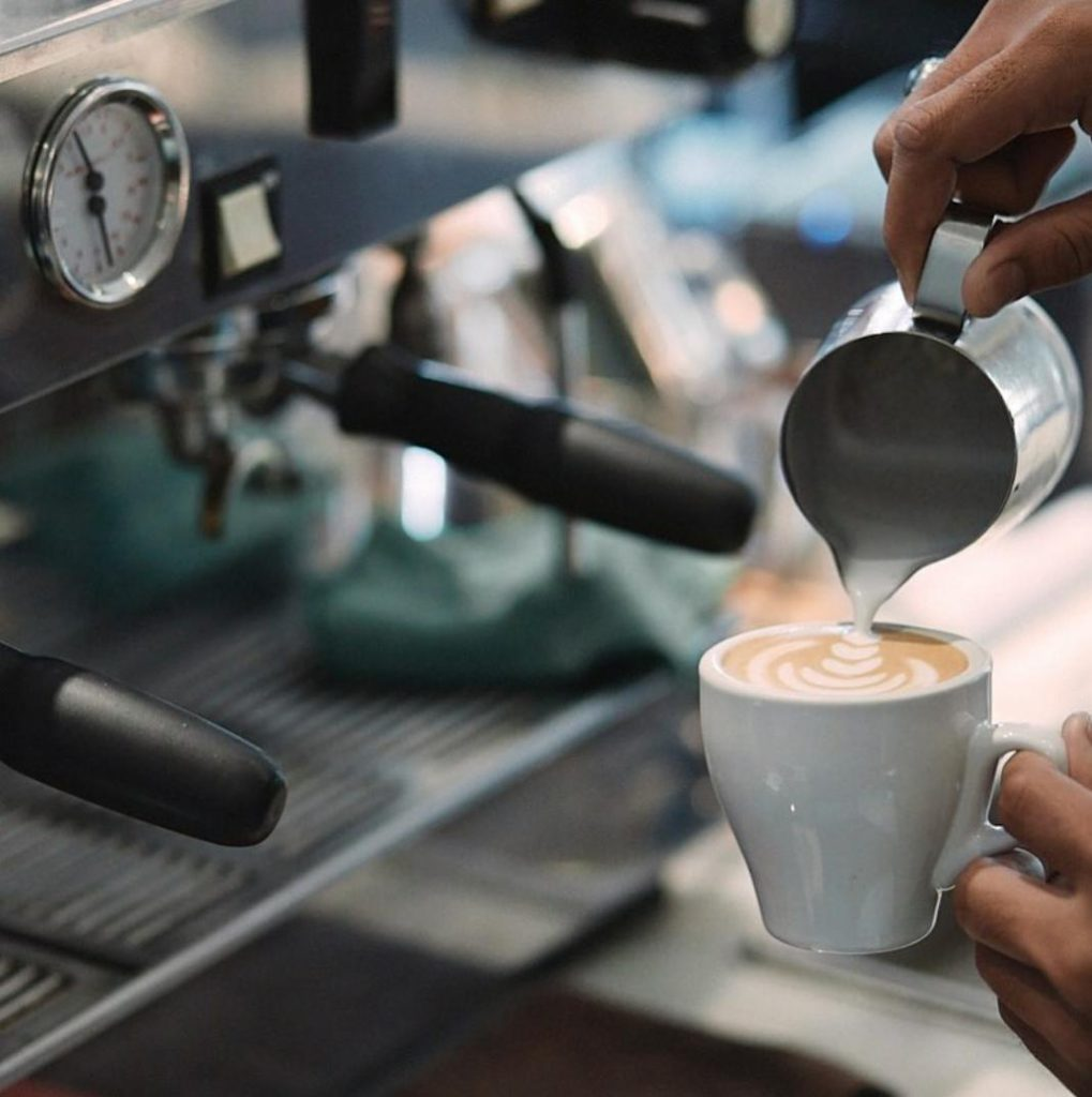 pouring latte 1/15 (One Fifteenth) Coffee