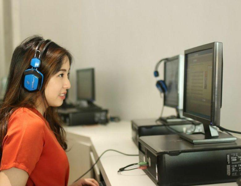 Language Communities in Jakarta to Improve Your Bahasa