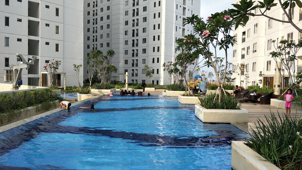 Apartment Near Transportation Hub in East Jakarta: Bassura apartment