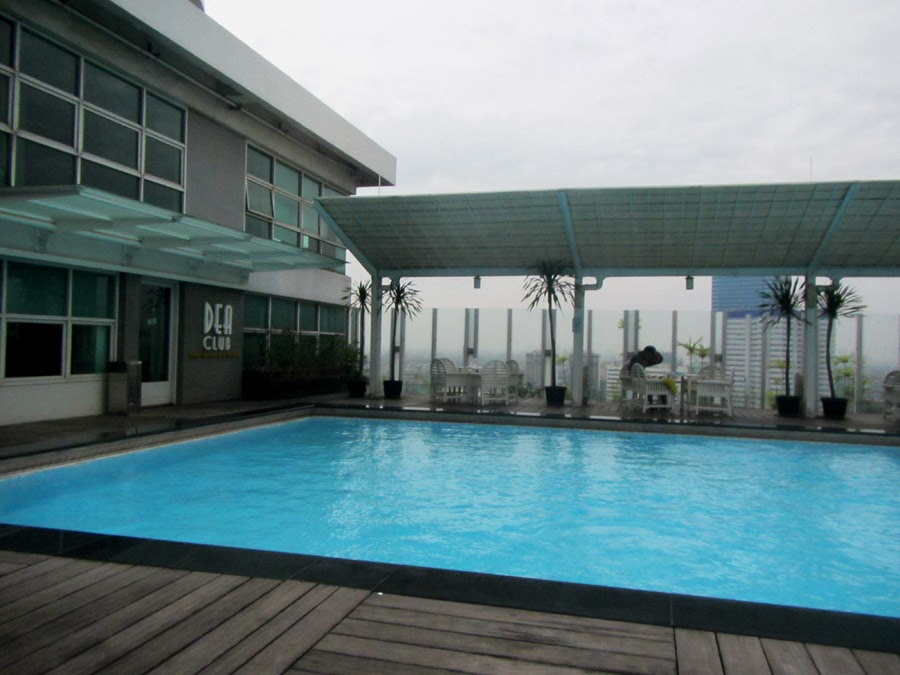 DEA Club swimming pool