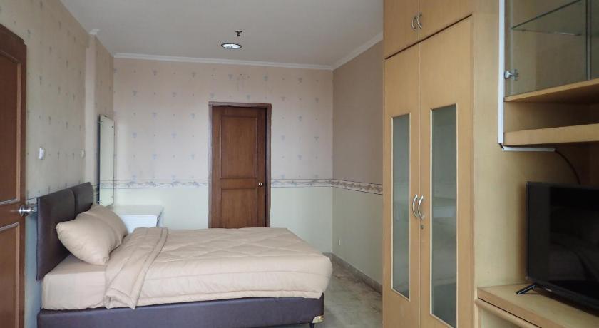 bedroom Hayam Wuruk Apartment near Mangga Besar Station