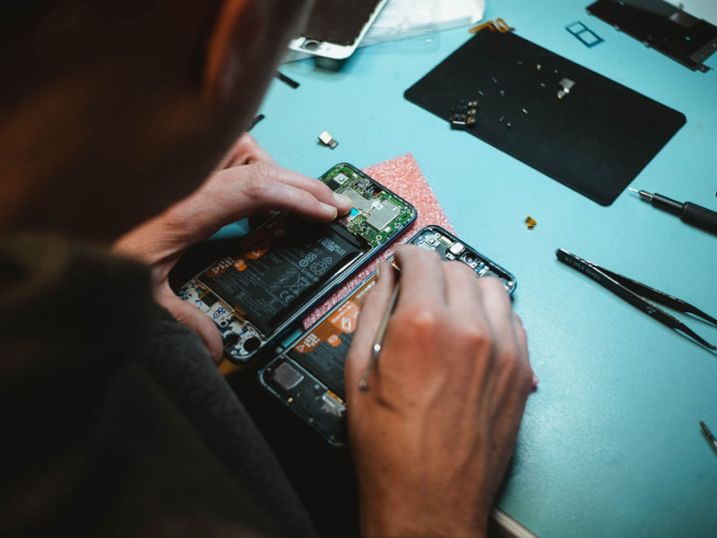 4 Best Places to Repair Your Electronics in Jakarta