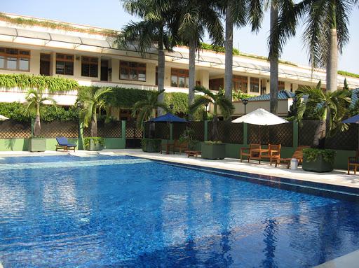 Mutiara Executive Residence swimming pool
