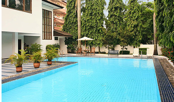 pool of Galeria Court Condominium