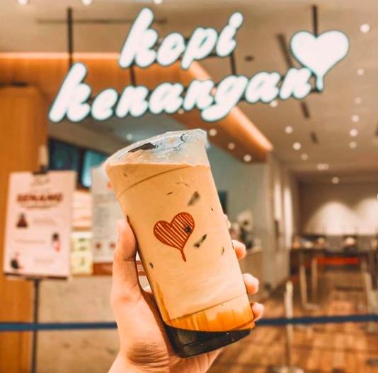 5 Kedai Es Kopi Susu Terpopuler di Indonesia