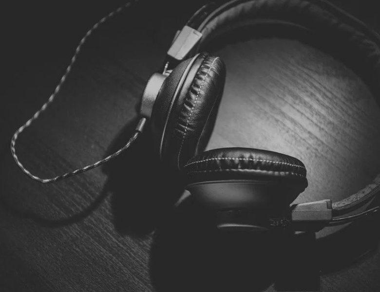 Rekomendasi Podcast Anti Bosan di Rumah