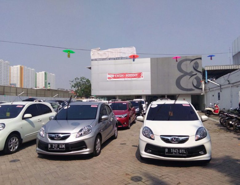 Membeli Mobil Bekas di Jakarta