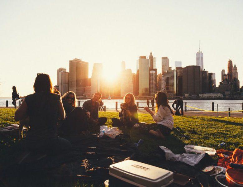 Hidup Sendiri Atau Dengan Teman Sekamar