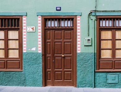 Cara Mengecat Pintu dan Jendela