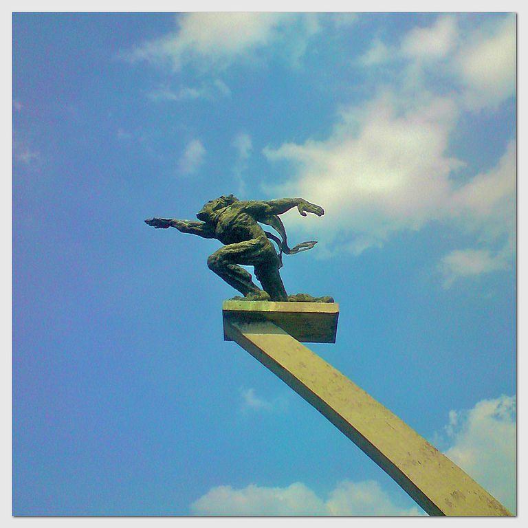 dirgantara statue