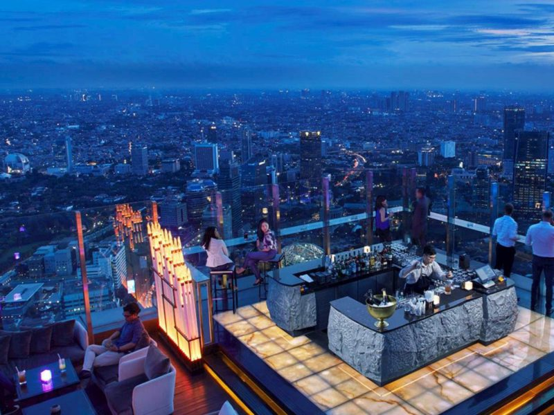 10 Rooftop di Jakarta: Restoran dan Bar yang Asyik dan Hits