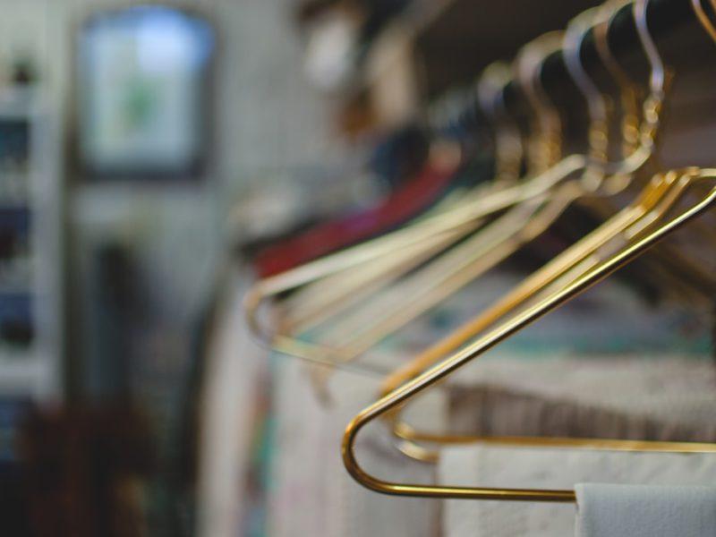 Tips Memaksimalkan Lemari Baju Kecil