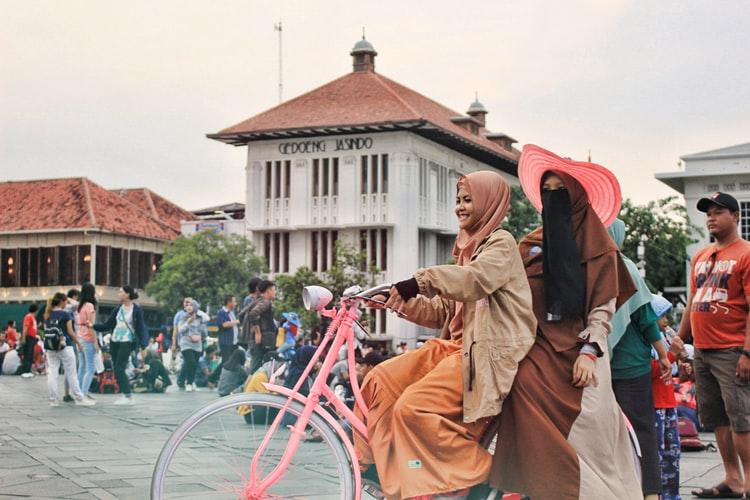 Tempat Kencan Romantis yang Terjangkau di Jakarta