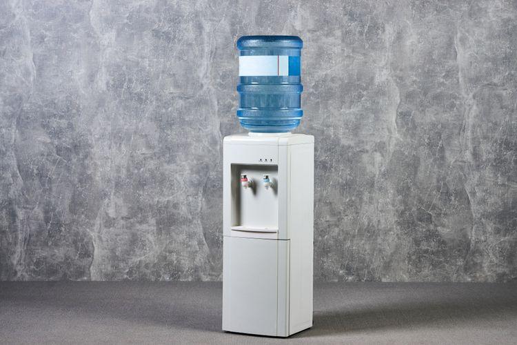 Cara membersihkan dispenser