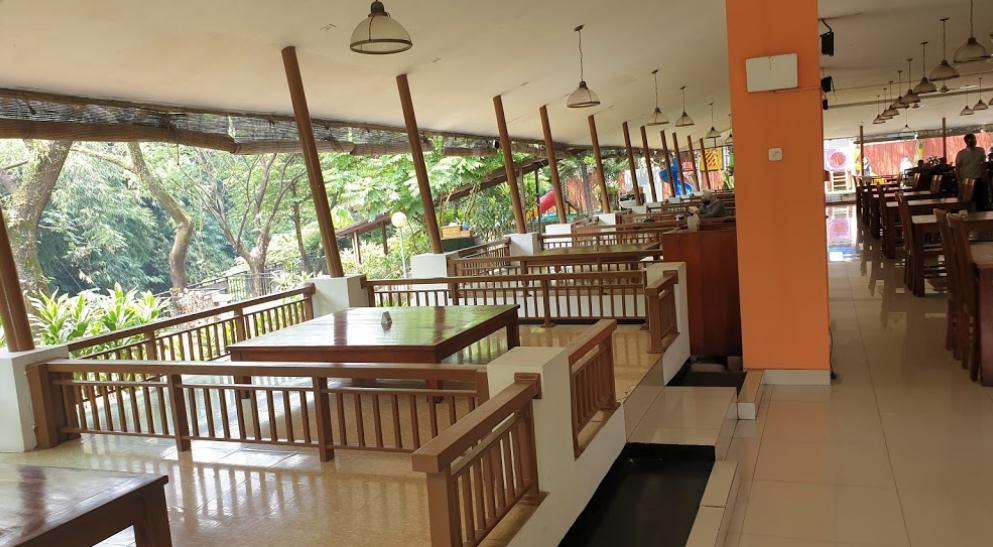tempat makan di Sentul tumbar jinten