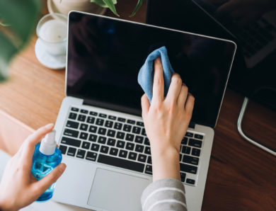 How to Clean Your Laptop Properly at Home (Easily)