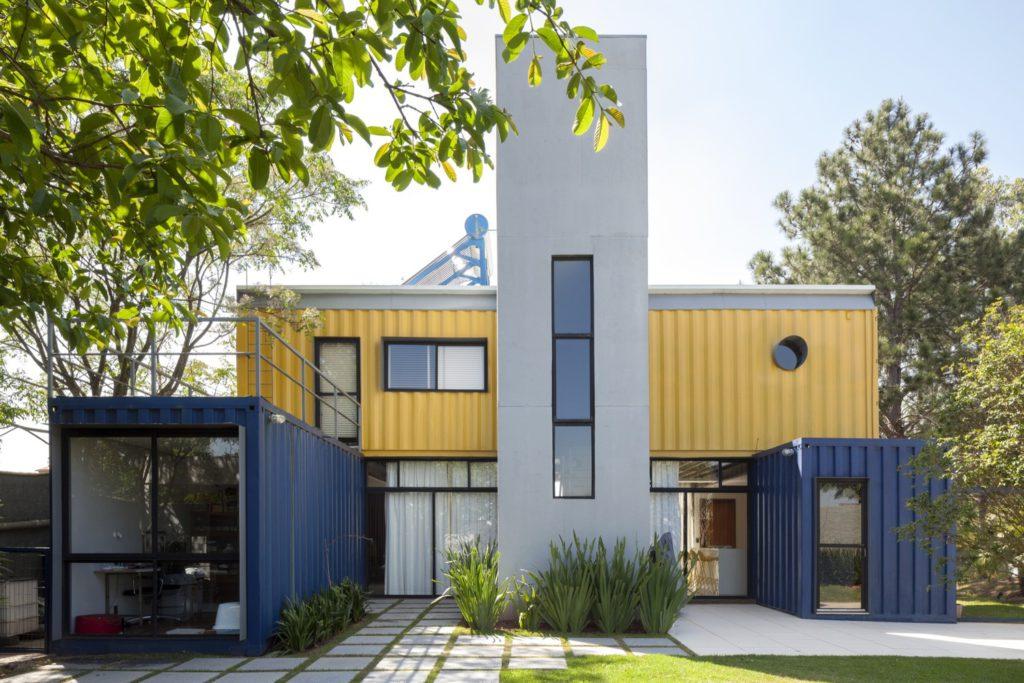 rumah kontainer: tampak depan Casa Container Granja Viana