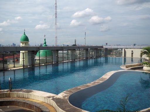 MTH Square Swimming Pool
