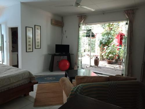 Kost Exclusive Kemang South Jakarta: Mai Home Stay