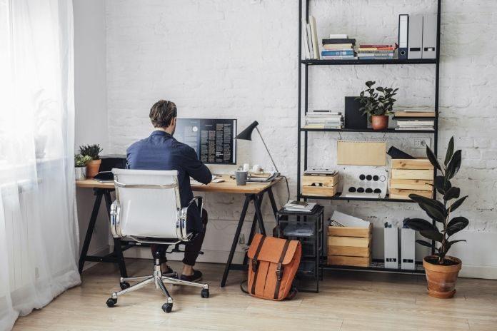 15 Computer Desk Designs: Minimalist and Modern