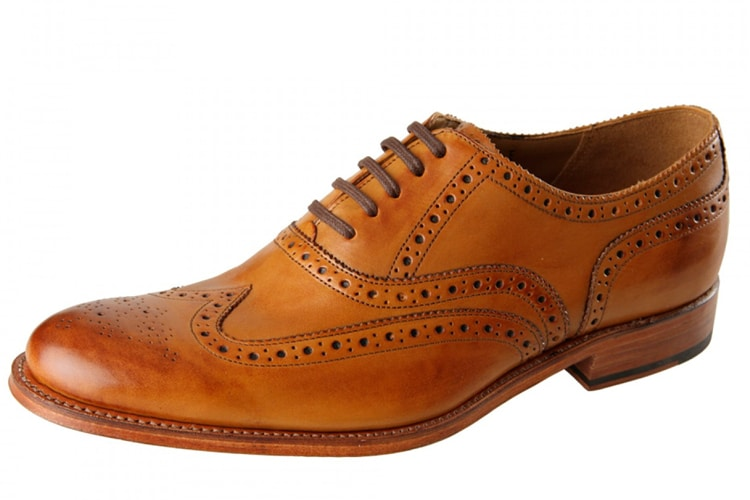 brogue must have for men shoes