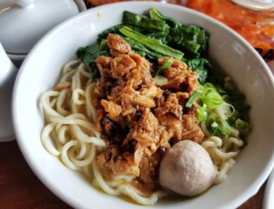 The Most Delicious and Best-selling and Legendary Chicken Noodles in Jakarta