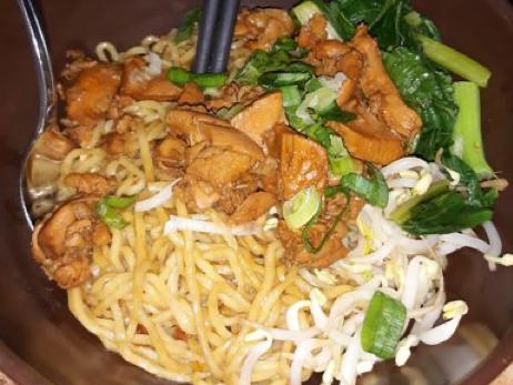Yusuf Al Islami Chicken Noodle