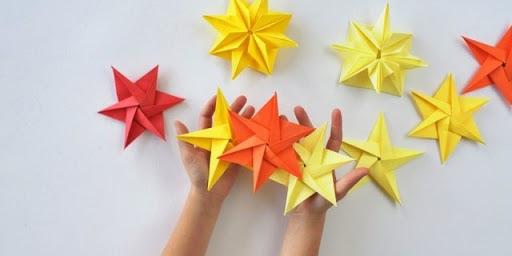 starts origami creation