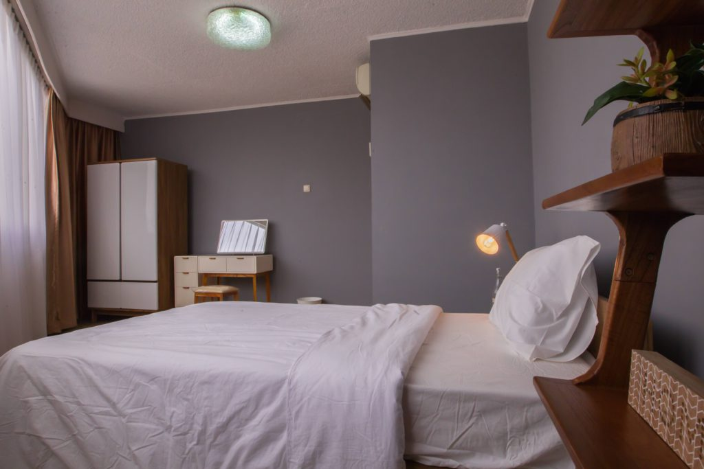 senopati apartment room at Flokq