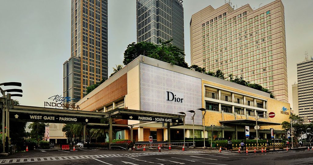 malls and shopping centres in menteng