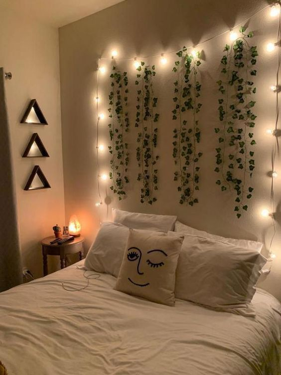 using decorative lights to create an aesthetic room