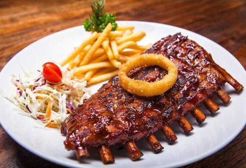 Makan Iga Babi di Bali: Rekomendasi 9 Tempat Terenak