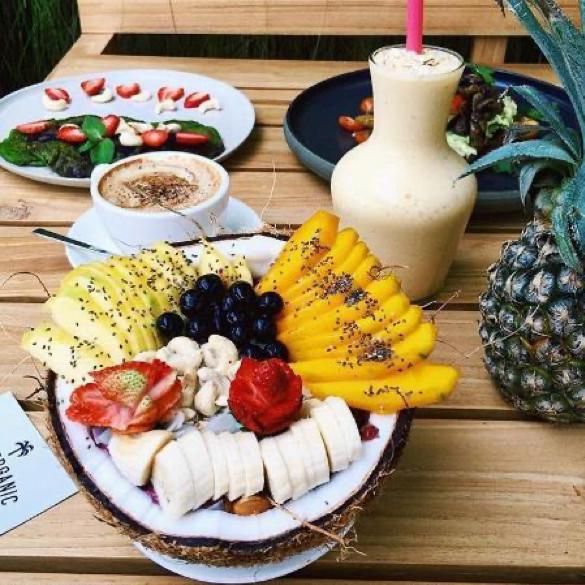 cafe organic smoothie bowl bali