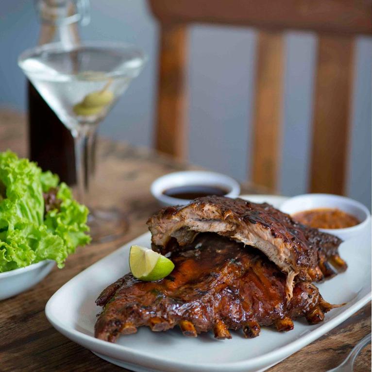 Alt-teks: Iga babi oleh Chef Bruno