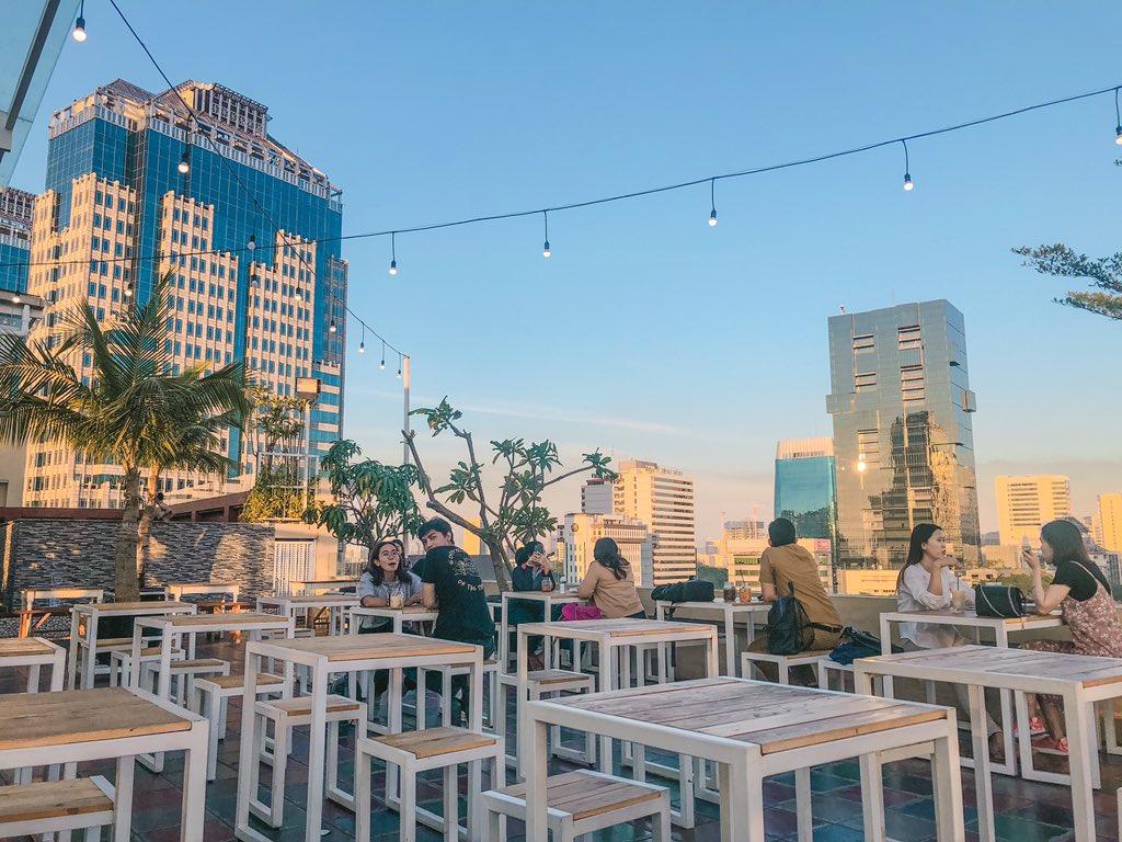 langit seduh hangout place central jakarta