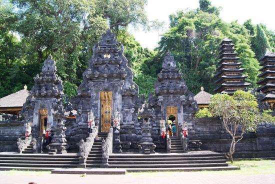 lawah temple illustration