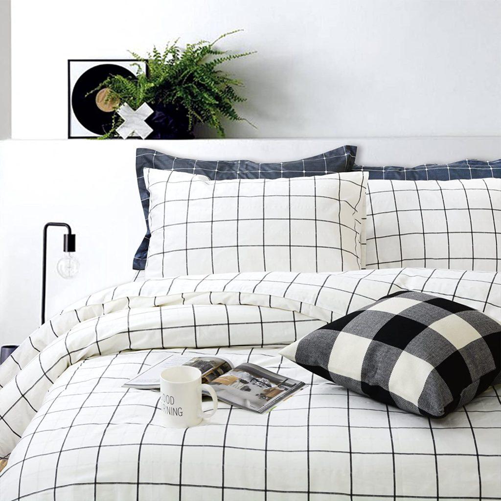 plain bedsheet for an aesthetic room