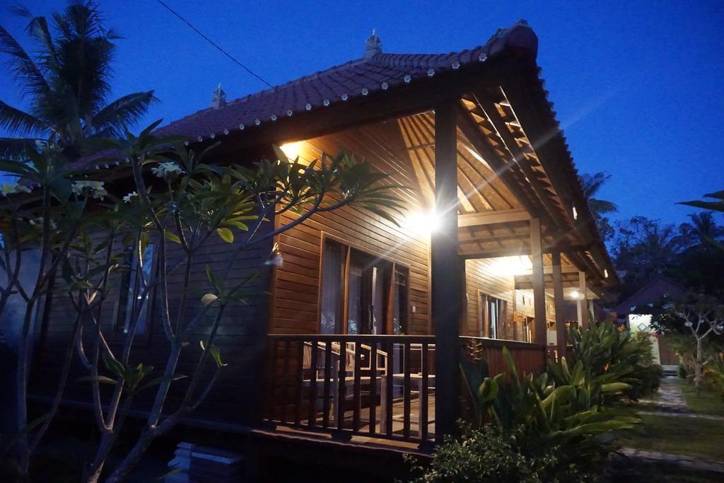 nyoman guesthouse lembongan