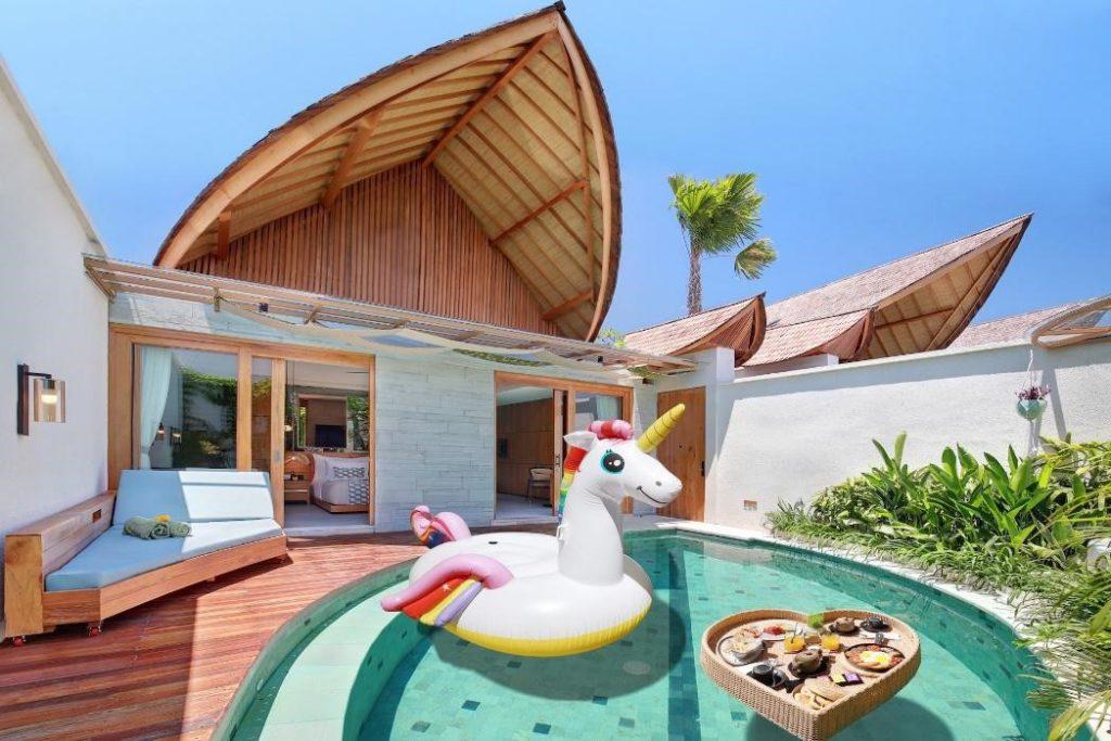Sarapan kolam renang di Sini Vie Villa