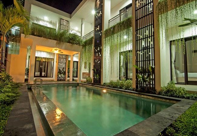 swimming pool at Bahana Guest House