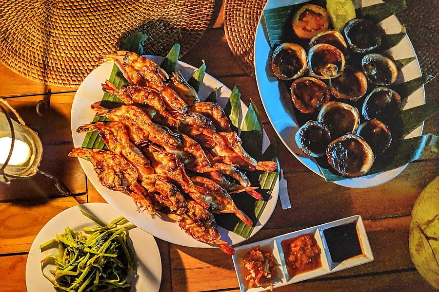 Menega Cafe Seafood Bali