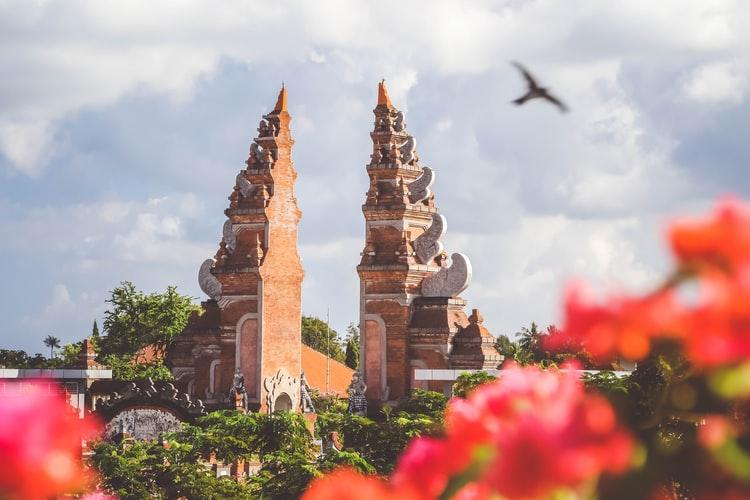 7 Aturan yang Harus Dipatuhi (& Alasannya) Saat Mengunjungi Pura di Bali