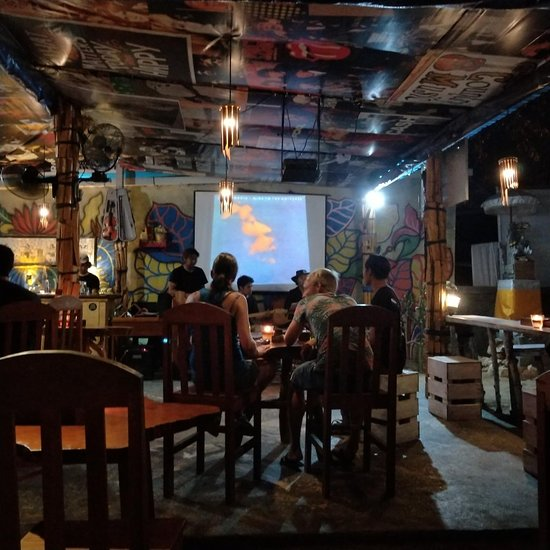Decountry live music and sports bar ambience