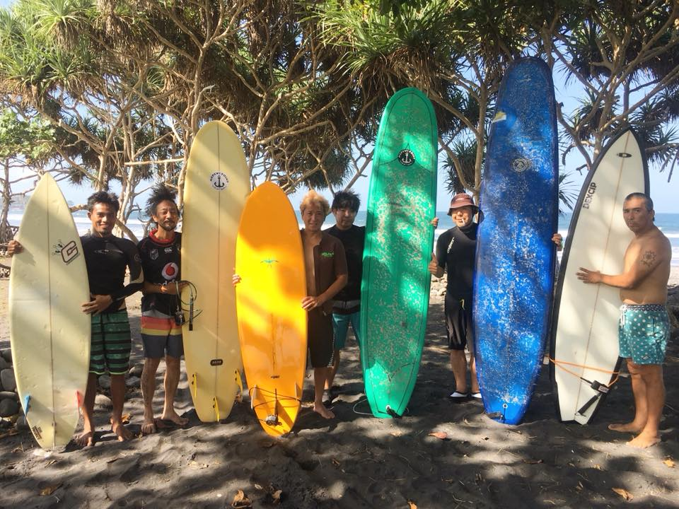 surf lesson being held at dikAloha surf school bali
